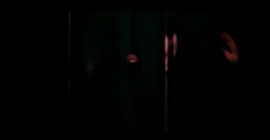 redlightcracksinwalls